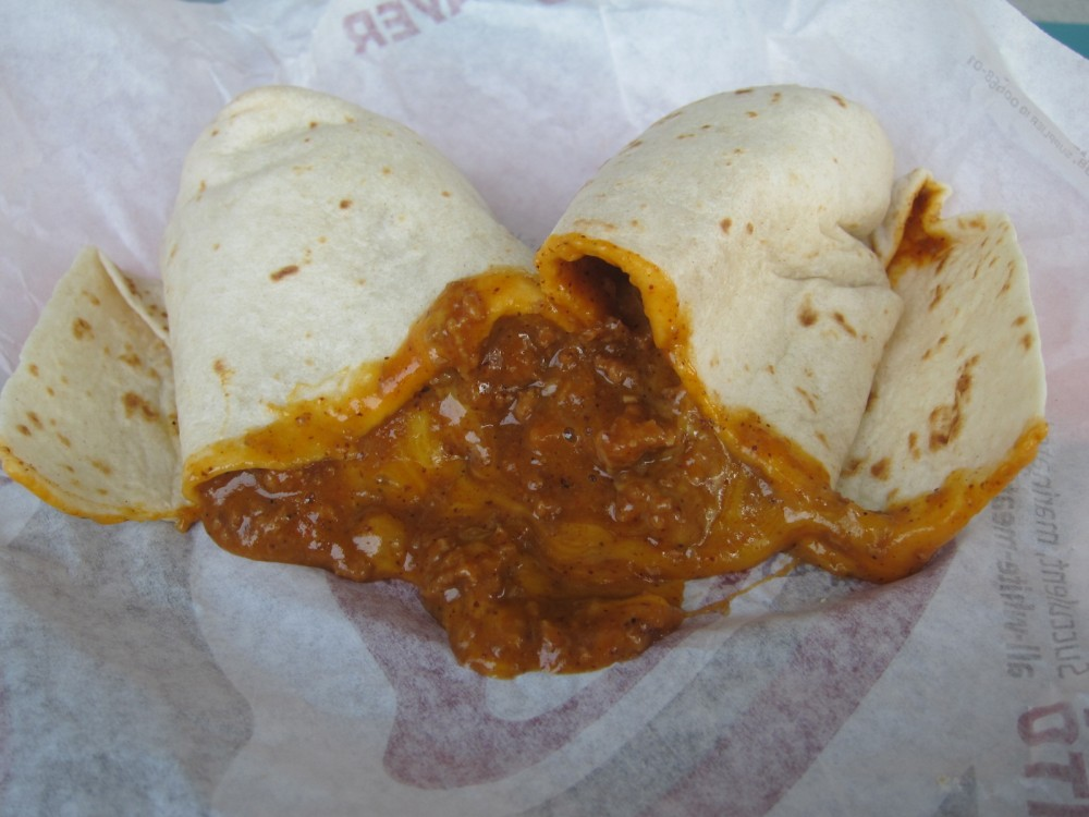 taco-bell-chili-cheese-burrito-01